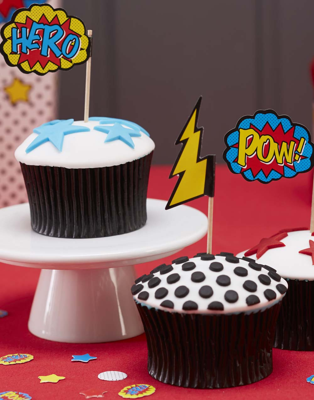 20 stk Cupcake Pinnar med Flagga- Pop Art Tecknadserieparty
